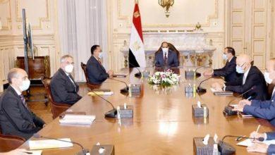 """صورة الرئيس السيسى يشيد بالتعاون المثمر بين """"البترول """" و """" إينى """" الإيطالية"""