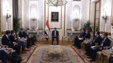 رئيس الوزراء يلتقي رئيس شركة سنام الإيطالية للطاقة