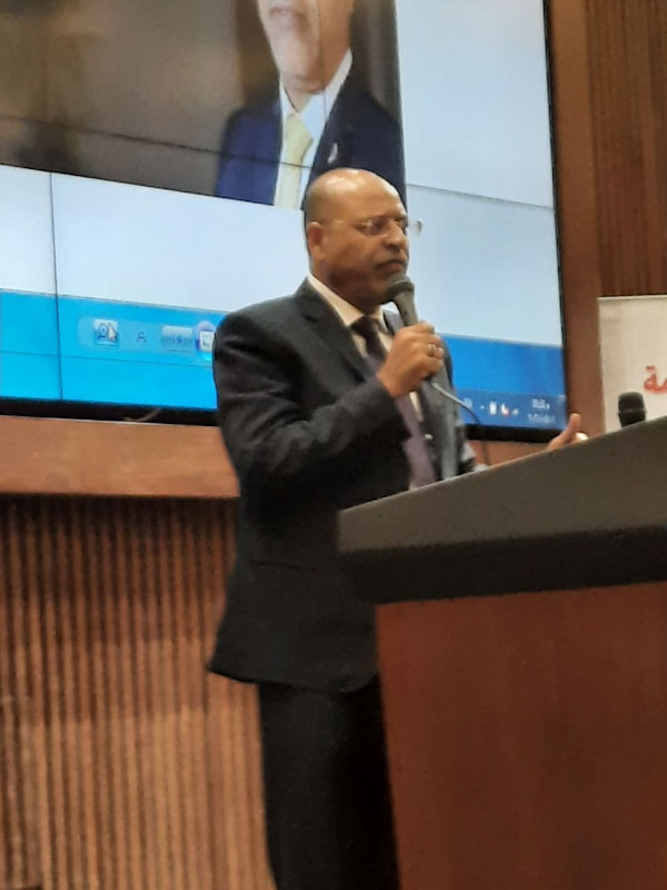 محمد جبران رئيس النقابة العامة للعاملين بالبترول