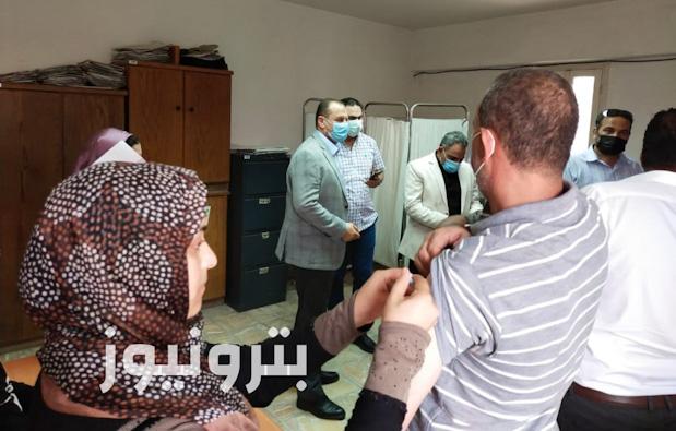 المحاسب حسين المدير العام التنفيذي لمناطق الدقهلية يتابع إجراءات تطعيم العاملين بلقاح فيروس كورنا